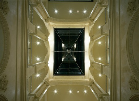 mediterranian style: View of an illuminated skylight LANG_EVOIMAGES