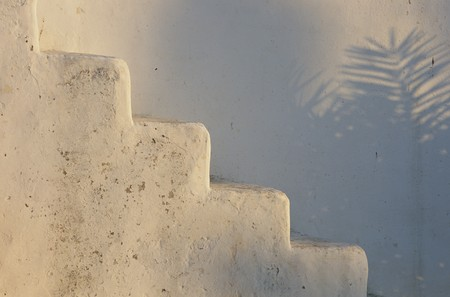 mediterranian style: Partial view of a stairway
