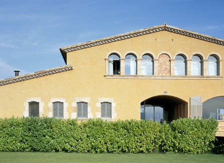 mediterranian home: View of a house from a lawn