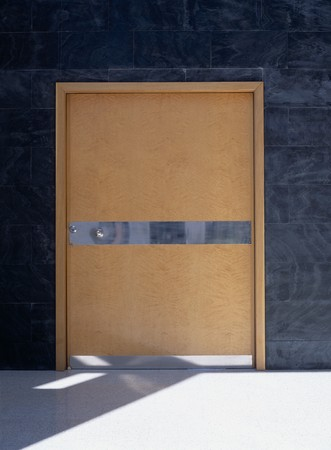 otras: View of a wooden door LANG_EVOIMAGES