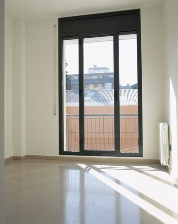 abode: View of a glass door LANG_EVOIMAGES