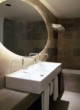 otras palabras clave: View of a neat bathroom