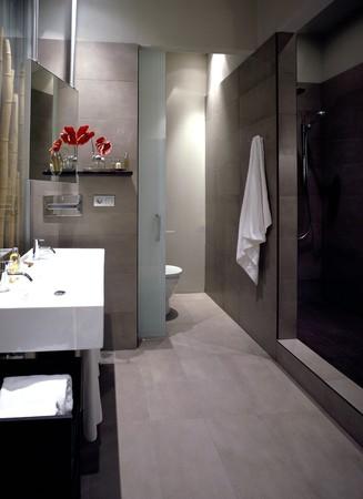 noone: Visualizzazione di un bagno pulito