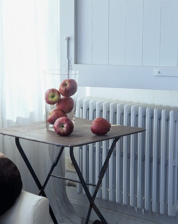abodes: Close-up of apples on a table
