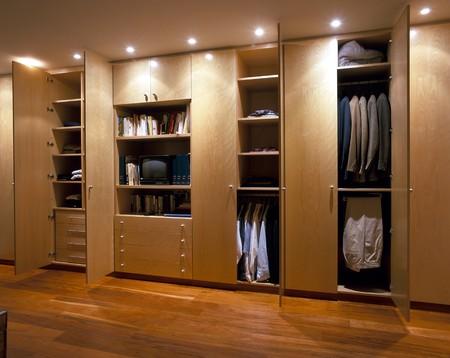 wood panelled: View an elegant wardrobe LANG_EVOIMAGES