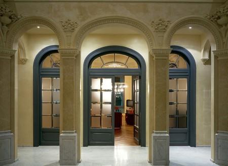 no entrance: Vista de una puerta abierta arqueada  LANG_EVOIMAGES
