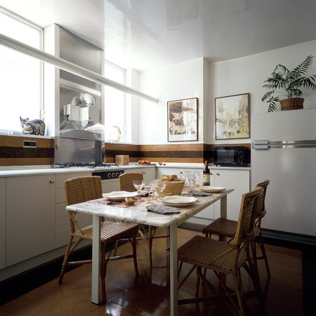 clave: View of a dining table in a kitchen