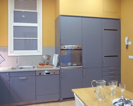 clave: View of an eclectic kitchen