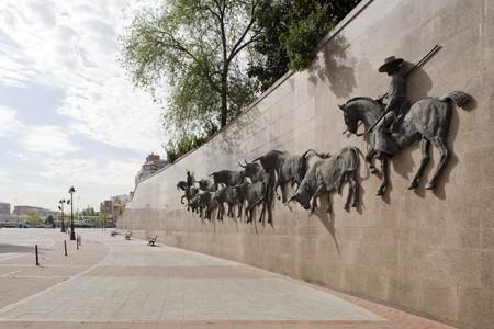 las ventas: Sculptures on the wall of a bullring, Las Ventas Bullring, Madrid, Spain Stock Photo
