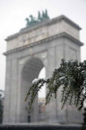 singular architecture: Triumphal arch, Arco De La Victoria, Madrid, Spain