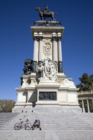 singular architecture: Monument in a park, Alfonso XII Monument, Parque Del Retiro, Madrid, Spain