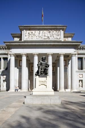 Statue in front of a museum, El Prado Museum, Museo Del Prado, Madrid, Spain Stock Photo - 7353727