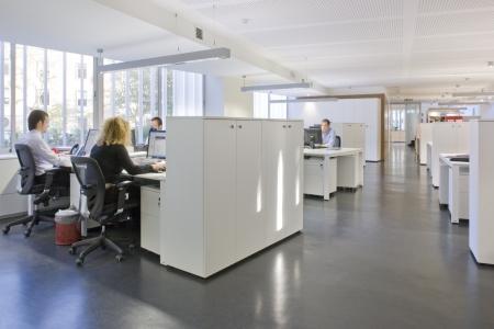 Dirigenti aziendali di lavoro in un ufficio, Madrid, Spagna