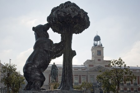 Statue of a bear and a madrona tree, El Oso Y El Madroño , Puerta Del Sol, Madrid, Spain