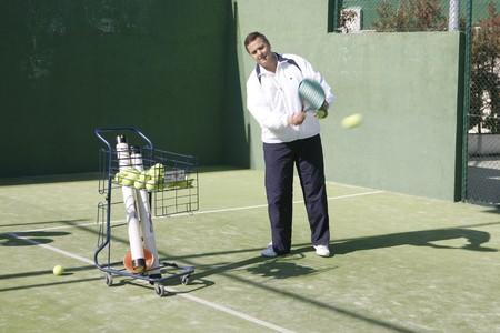 racquetball: Formador de paddle y coche de bolas de paddle.