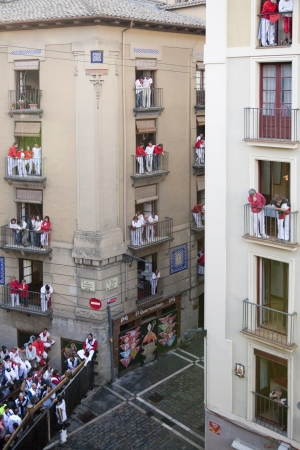 policewomen: People waiting the bull; Pamplona, Navarra, Spain.
