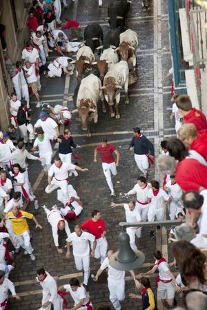 corrida: 8 juillet 2009, Pampelune. Ex�cution des taureaux pendant les c�l�brations Fermin Saint. Pampelune, Navarre, Espagne. L'une des f�tes les plus populaires locales en Espagne. Editeur