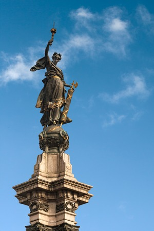 Estatua Libertad, Plaza de la Independencia, Quito, Ecuador photo
