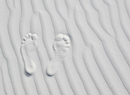 white sands national monument: Footprints on white dune, White Sands National Monument, New Mexico, USA