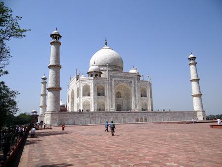 Taj Mahal : World famous symbol of love in Agra Stock Photo