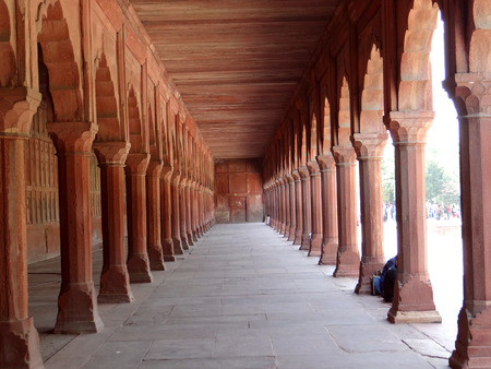 magnificence: Long pillared corridor at Taj Mahal complex, Agra Stock Photo