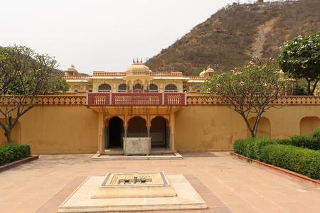maharaja: Sisodia Rani gardan palace, Jaipur offers a great opportunity for an idyllic stroll. The garden was built by Maharaja Sawai Jai Singh for his wife who was a Sisodia princess.