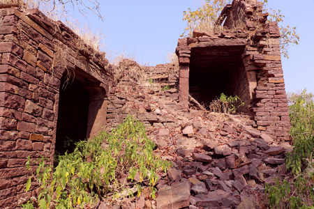 castle conditioning: Ruins of thousand years old Narwar Fort, Shivpuri, India lies at a height of 500 feet above sea level, now in a dilapidated condition but the remains indicates its flourishing days.