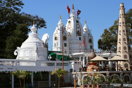 Khajrana Ganesh temple, Indore was established in 1735 by Queen Ahilyabai of Maratha Empire. Large numbers of devotees gather here to offer their reverence and prayers.