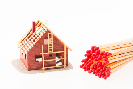 Symbolic image for fire insurance and arsonists