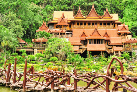 cavern: Wat Tham Khao Wong - Thai Temple