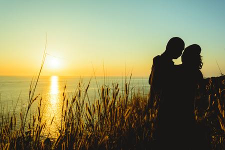 sillhouette: sillhouette couple love