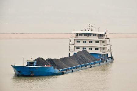 vrachtschepen op de Yangtze in China