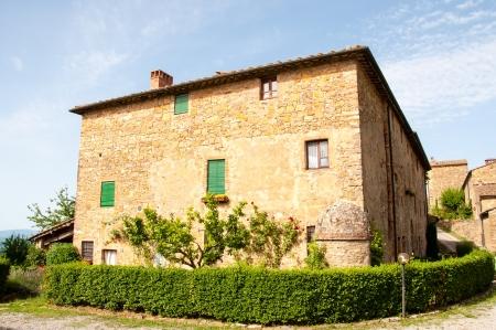 stenen villa in Toscane, Italië Redactioneel