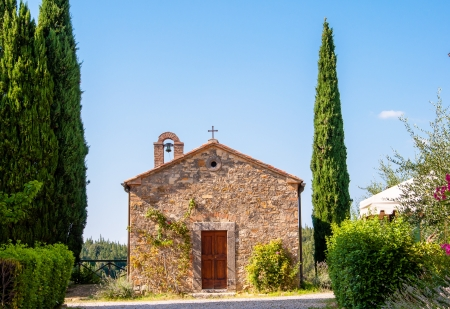 little chapel in tuscany, italy photo