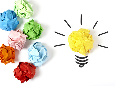 idea light bulb: Standing out of the crowd