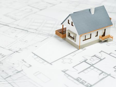 Immobilien Standard-Bild - 39718537