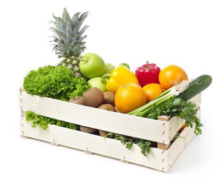abarrotes: Embalaje con las frutas y hortalizas