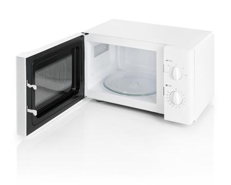 Mikrowelle isoliert auf weiß