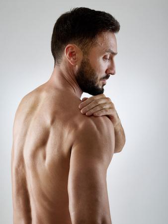 shoulders: Shoulder pain