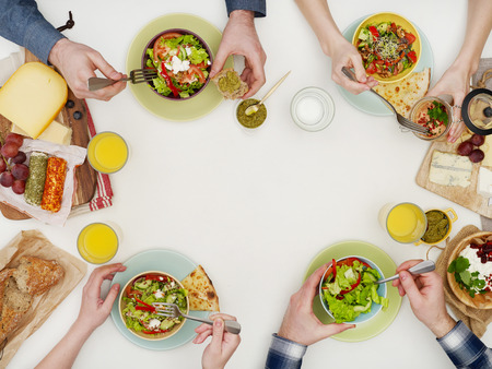 저녁 식사 테이블 위