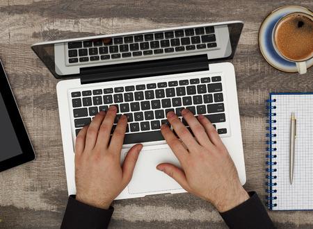 teclado de computadora: Trabajo en la computadora portátil