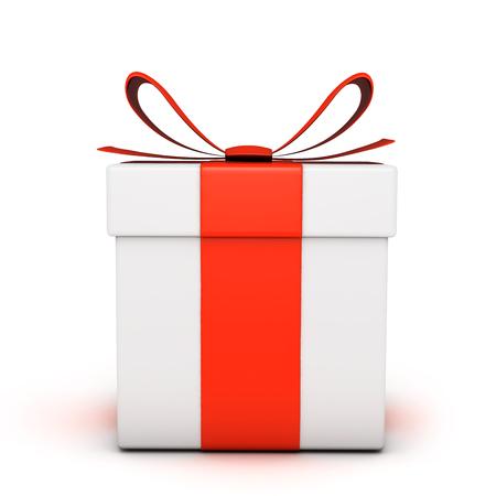 gefesselt: Gift box isolated on white Lizenzfreie Bilder