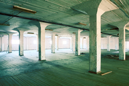 empty warehouse: Abandoned factory