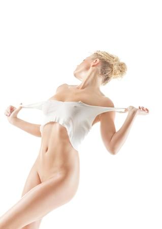 mujer desnuda sentada: Joven hermosa mujer desnuda