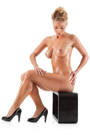 femme nue: Jeune femme nue belle