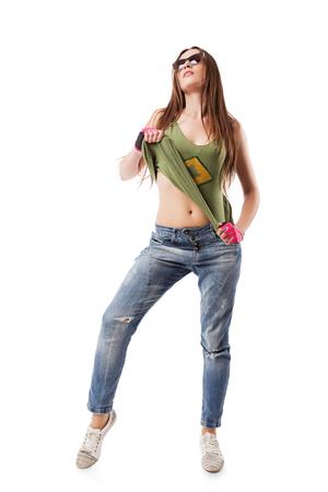 gogo girl: Modernen Hip-Hop-M�dchen stand auf wei�em Hintergrund. Junge Go-Go-Tanz M�dchen isoliert auf wei�em Hintergrund