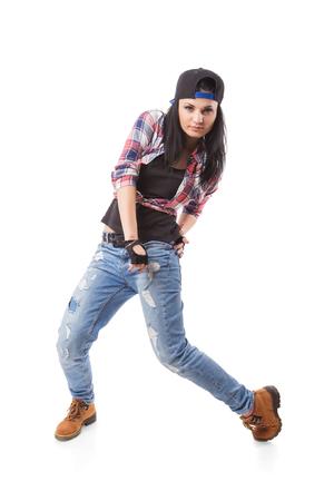gogo girl: Moderne Hip-Hop-Tanz-Mädchen posieren auf weißem Hintergrund. Breakdance go-go Mädchen stand auf weiß