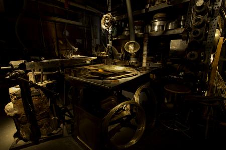 gold metal: gold metal - machinery - workshop