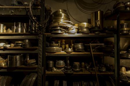 gold metal - workshop