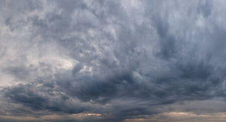 Stormy sky cloudscape sky panorama 版權商用圖片